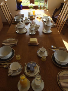 Breakfast table - markstonefarm.co.uk